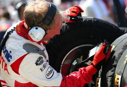 """""""Bridgestone"""" tiki komandų profesionalumu"""