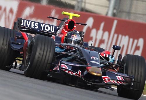 """""""Red Bull"""" parduoda """"Toro Rosso"""" komandą"""