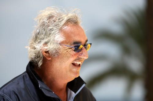 """F. Briatore: dėl """"Ferrari"""" pralaimėjimo kalti lenktynininkai"""