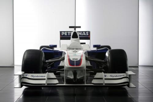 """BMW patvirtino pasitraukianti iš """"Formulės-1"""" (papildyta)"""