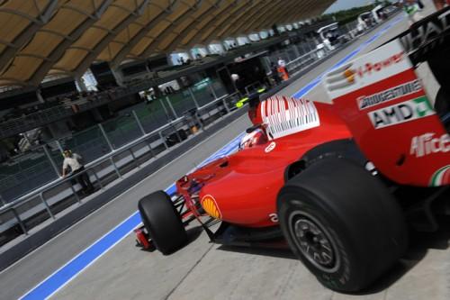"""""""Ferrari"""" išmėgino atnaujintą bolidą"""