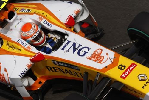 """Renault"" pašalinta vienerioms lenktynėms"