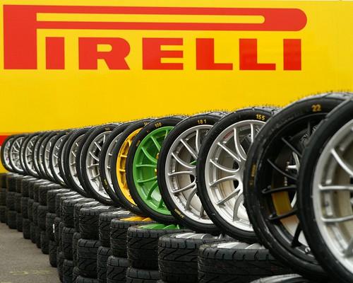 """Oficialu: F-1 padangas tieks """"Pirelli"""""""