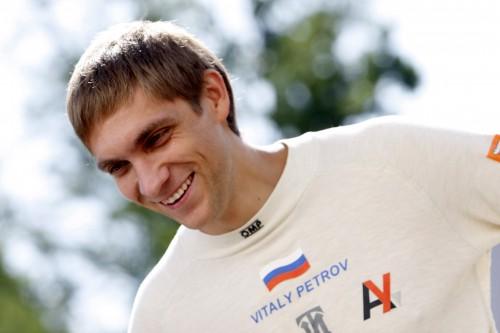 "Oficialu: V. Petrovas lenktyniaus ""Renault"""