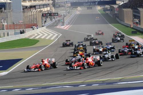 Bernie ir F-1 komandos: Bahreino GP įvyks