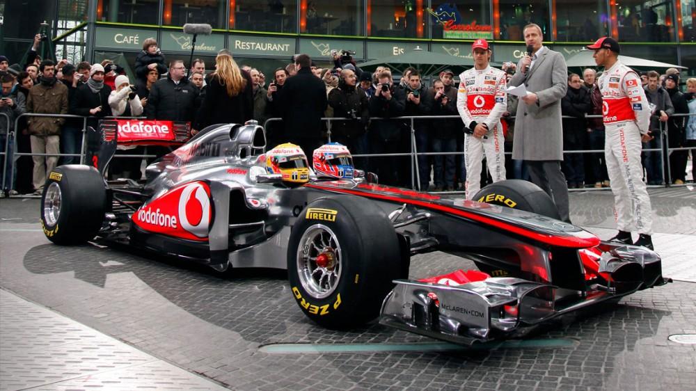 """McLaren"" bolidą pristatys vasario 1 d."