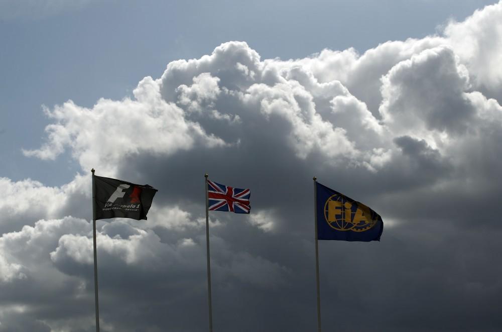 FIA pasiruošusi atšaukti aktyvaus apipūtimo draudimą