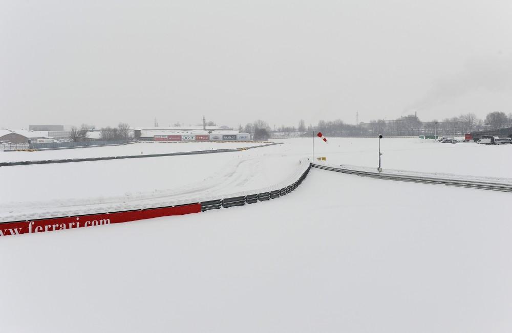 """""""Ferrari"""" atšaukė bolido pristatymo ceremoniją"""