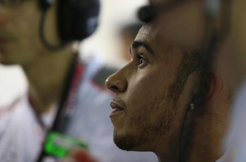 B. Ecclestone'as: L. Hamiltonas buvo apsisprendęs keisti komandą
