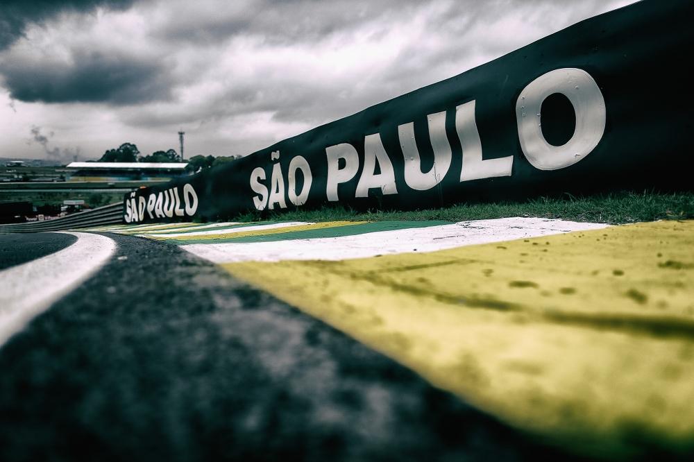 Po teisėjo įsikišimo, laikinai sustabdyta San Paulo GP sutartis