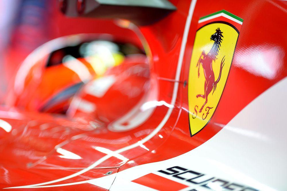 """""""Ferrari"""" žada mažinti atlyginimus"""