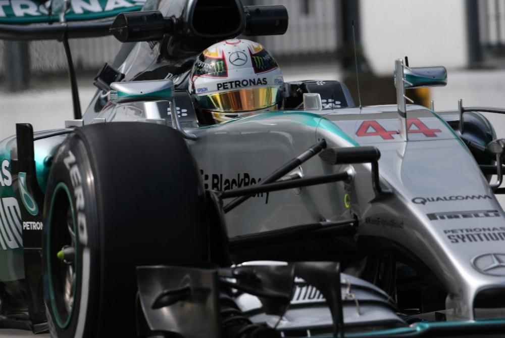 """Ekspertai spėja """"Mercedes"""" nesėkmės priežastis"""