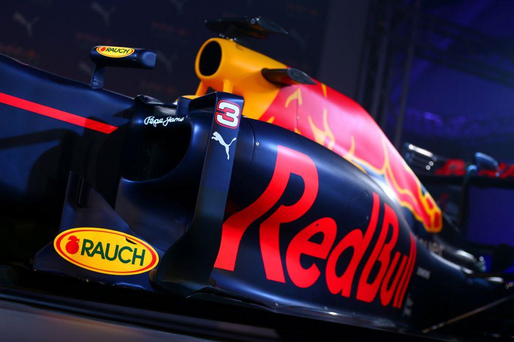 """""""Red Bull"""" 2017 m. bolidą pristatys vasario 26 d."""