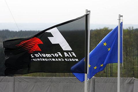 """Europos Komisija gali nubausti """"Formulę-1"""""""