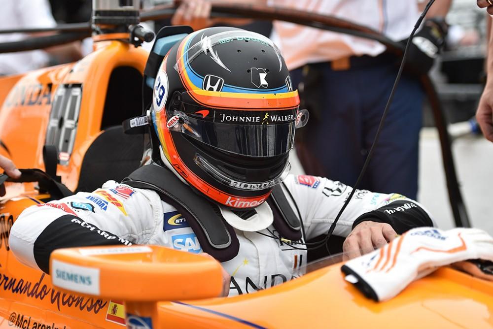 "Z. Brownas: F. Alonso šiemet negrįš į ""IndyCar"""