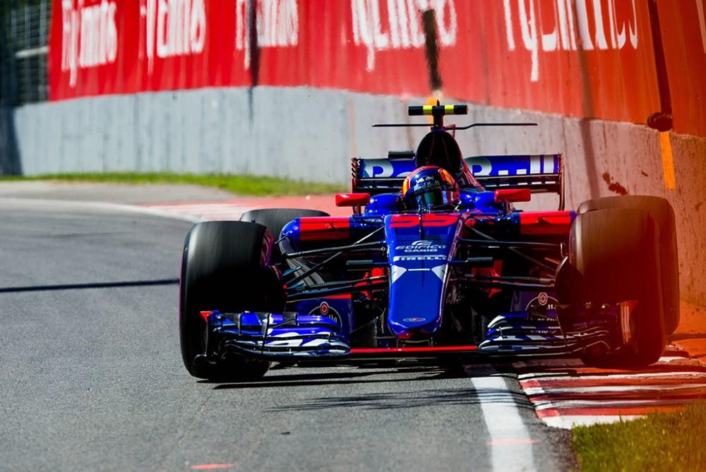 """""""Red Bull"""" sutinka atsisveikinti su C. Sainzu už didelę išpirką"""