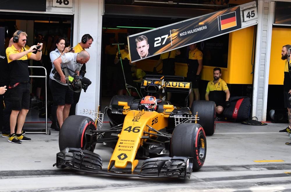 """R. Kubicos vadybininkas: """"Renault"""" ne vienintelė komanda, kuri domisi"""
