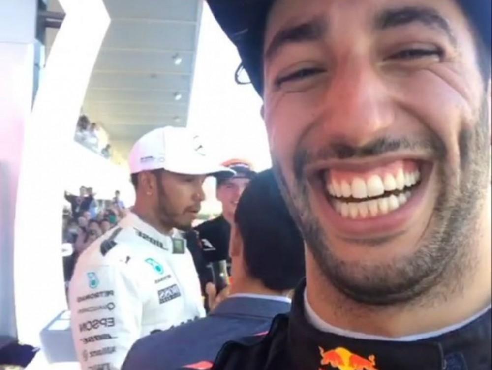 D. Ricciardo tinkamai pasinaudojo L. Hamiltono telefonu