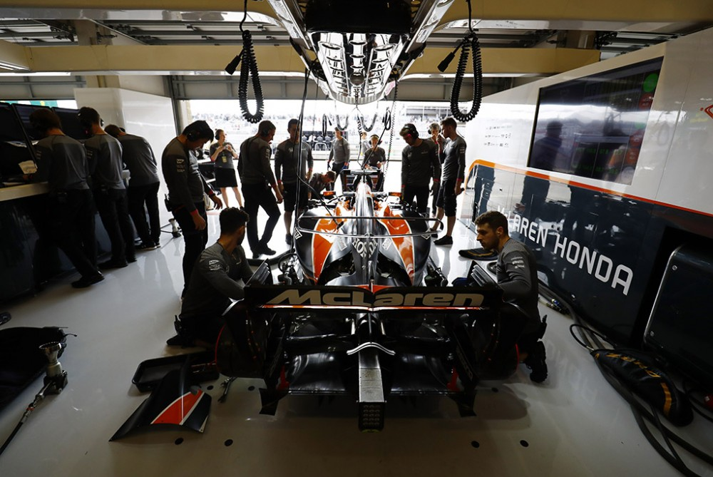 """""""McLaren"""" išvengė problemų pritaikant bolidą """"Renault"""" jėgainei"""
