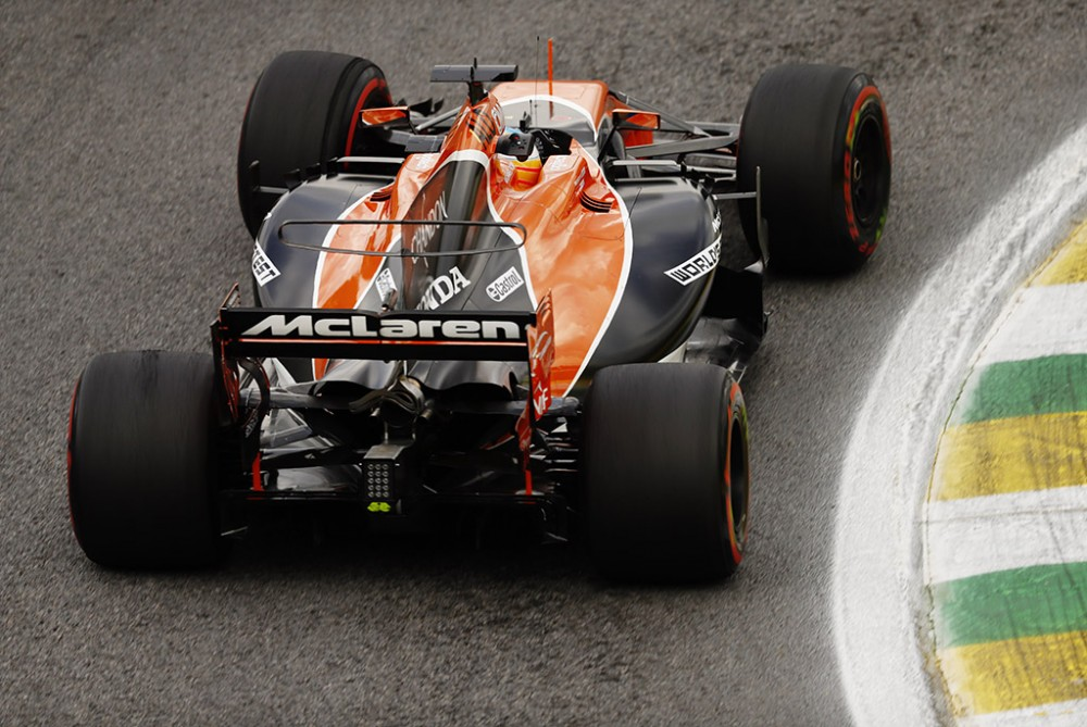 """F. Alonso: """"Toro Rosso"""" turėtų sunerimti dėl """"Honda"""" variklių"""
