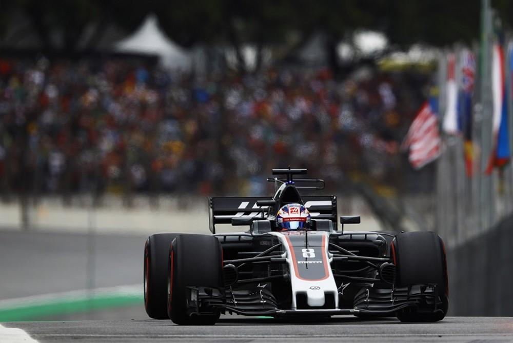R. Grosjeanas dėl avarijos kaltina pradurtą padangą