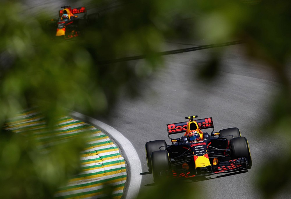 M. Verstappenas Brazilijoje atliko papildomą sustojimą, kad užfiksuotų greičiausią ratą