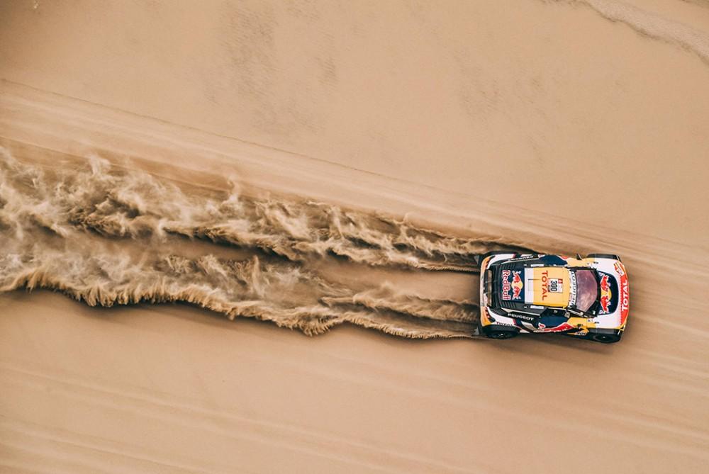 S. Peterhanselis greičiausias Dakaro ralyje, S. Loebas traukiasi iš tolimesnės kovos