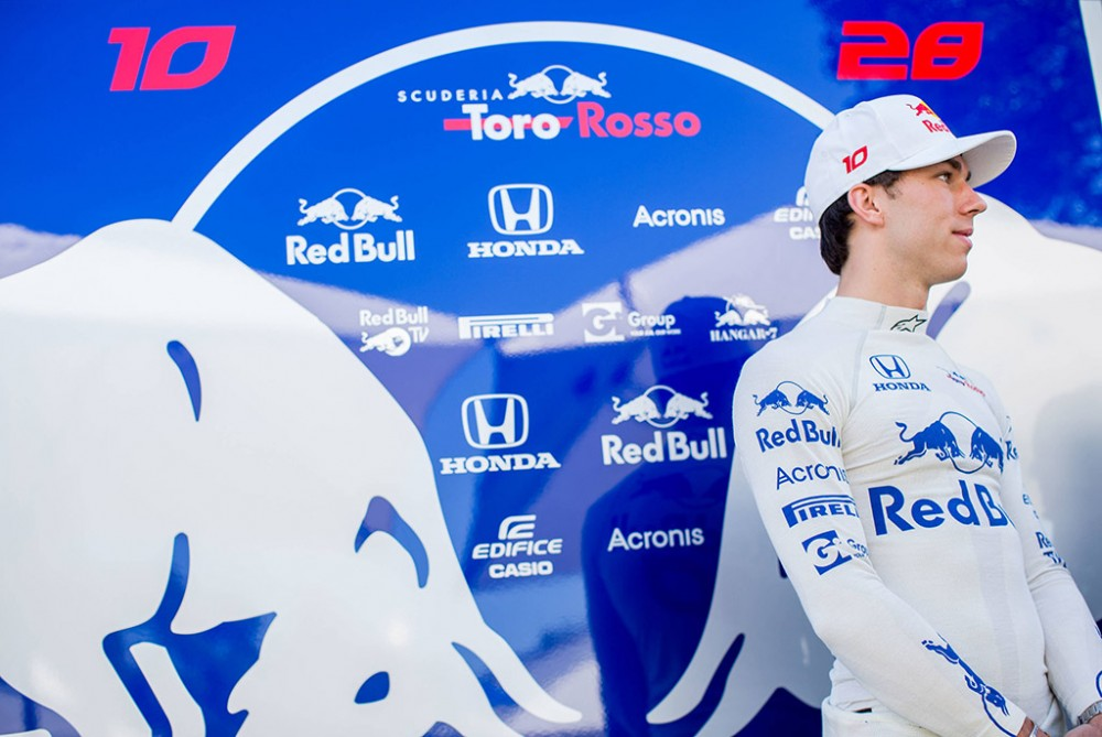"""Oficialu: P. Gasly kitąmet atstovaus """"Red Bull"""" komandai"""