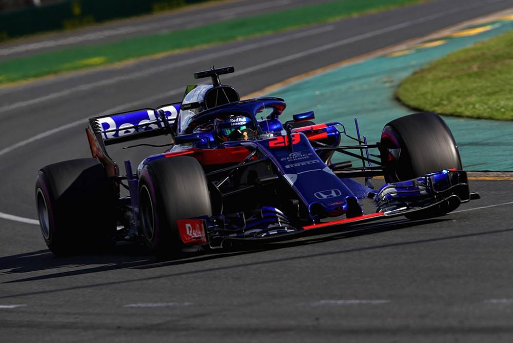 B. Hartley ir P. Gasly Bahreine naudos atnaujintus variklius