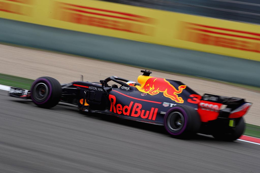 """D. Ricciardo pataria """"Red Bull"""" ateitį susieti su """"Honda"""""""