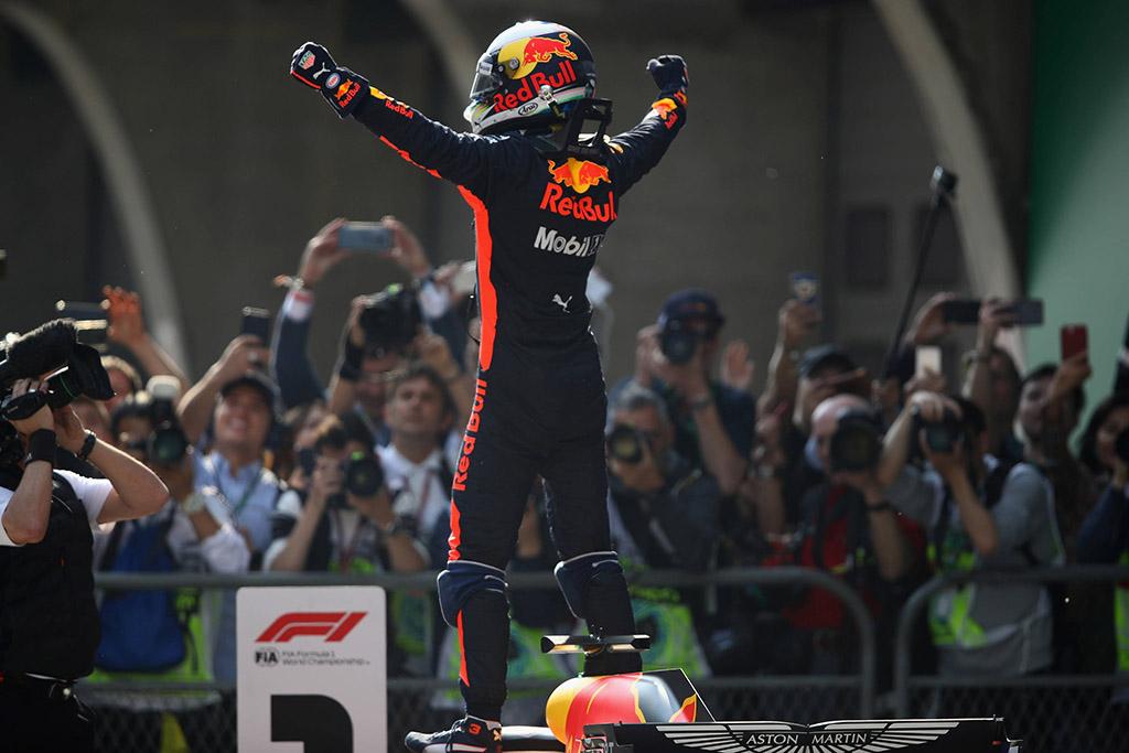 """C. Horneris tikisi, kad D. Ricciardo liks """"Red Bull"""" ekipoje"""