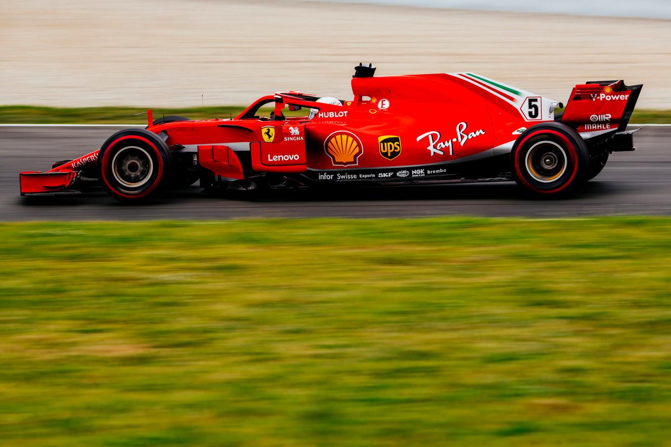 """S. Vettelis įvardino tris didžiausias """"Ferrari"""" savaitgalio problemas"""