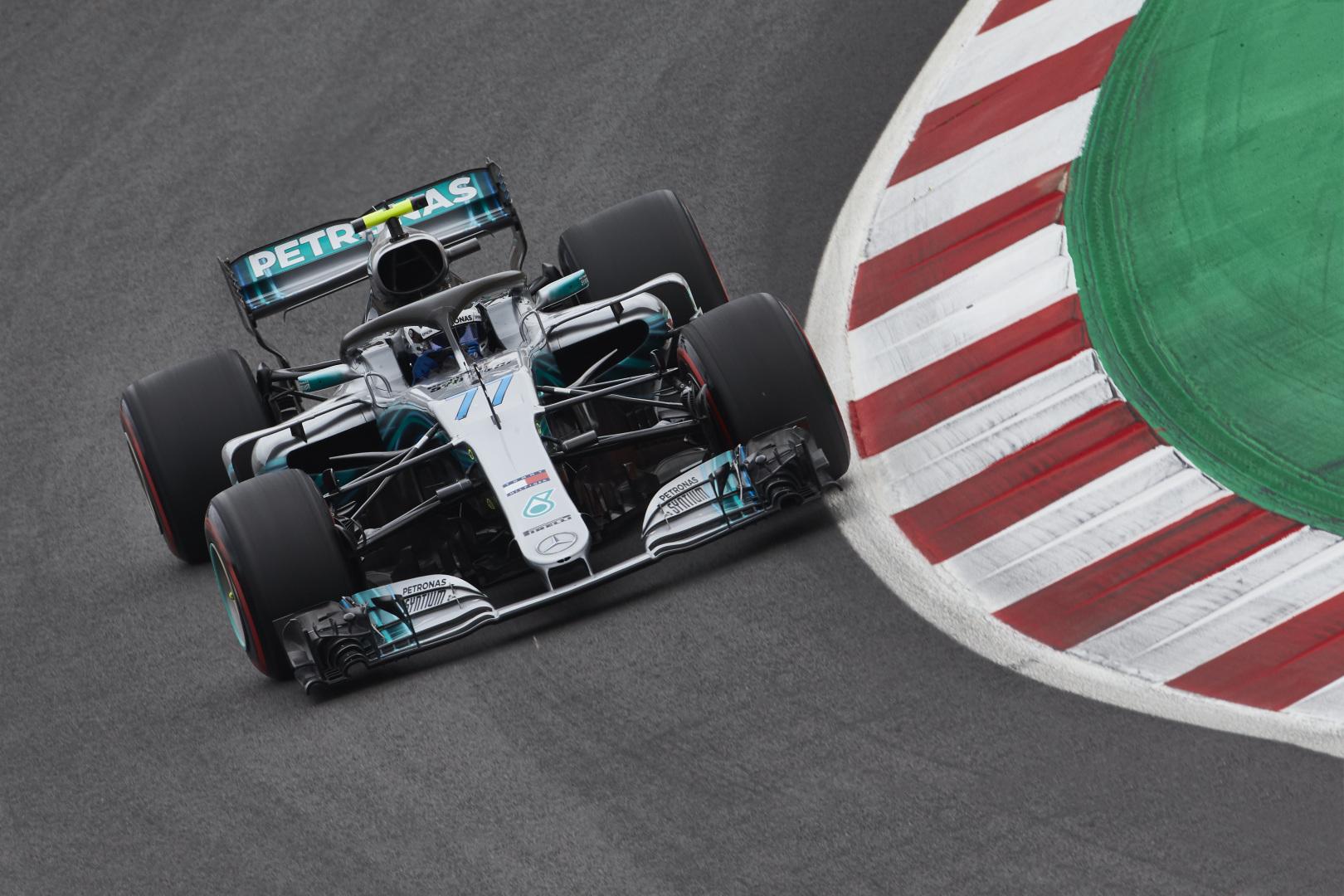 Paskutinę bandymų dieną Barselonoje greičiausias V. Bottas
