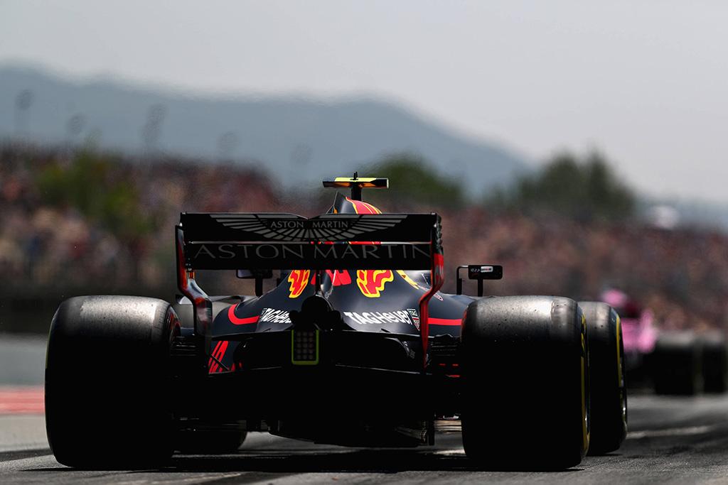 """""""Red Bull"""" laukia atnaujintų """"Renault"""" ir """"Honda"""" variklių"""