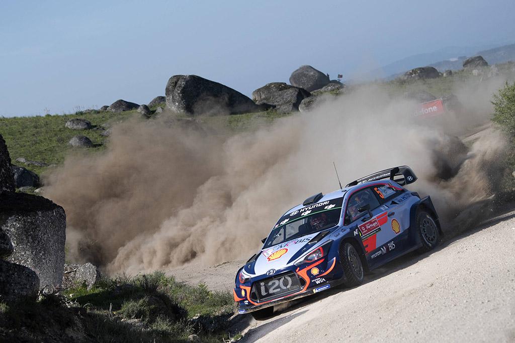 WRC. T. Neuville'is nugalėjo Portugalijoje ir tapo čempionato lyderiu