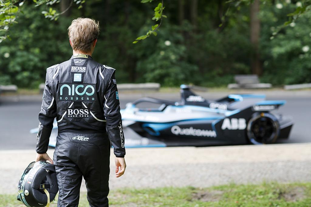 N. Rosbergas: S. Vetteliui reikia bijoti C. Leclerco
