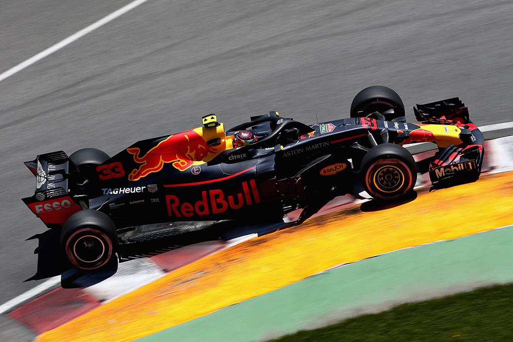 """M. Hughesas apie galimą """"Honda"""" ir """"Red  Bull"""" aljansą"""