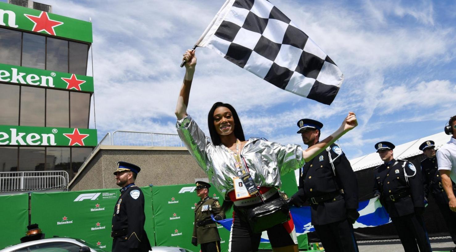 FIA paaiškino incidentą susijusį su per anksti pamojuota vėliava