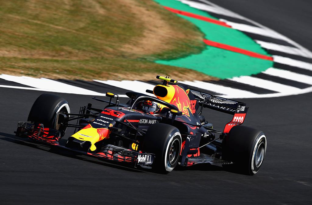 """Eilinį kartą """"Renault"""" jėgaine nusivylęs M. Verstappenas: lyg lenktyniautų F-1 ir F-2 bolidai"""