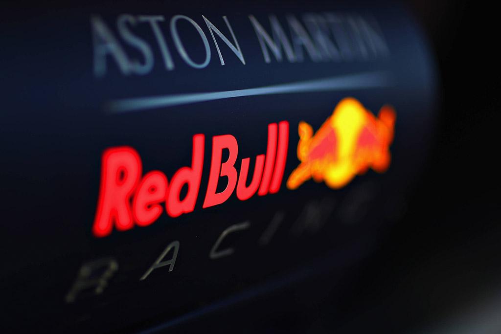 """C. Horneris: F-1 turi pasistengti, kad išlaikytų """"Red Bull"""""""