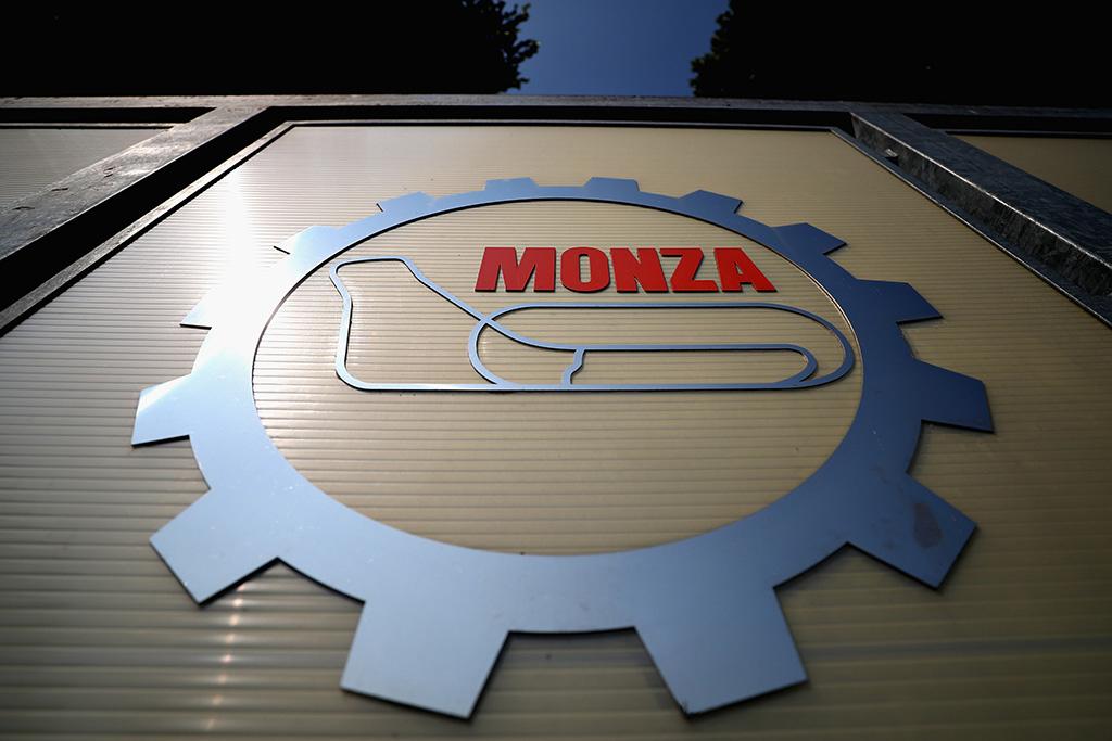 """""""Alpine"""" ir """"Aston Martin"""" gavo baudas, N. Mazepinas išsisuko be jos"""