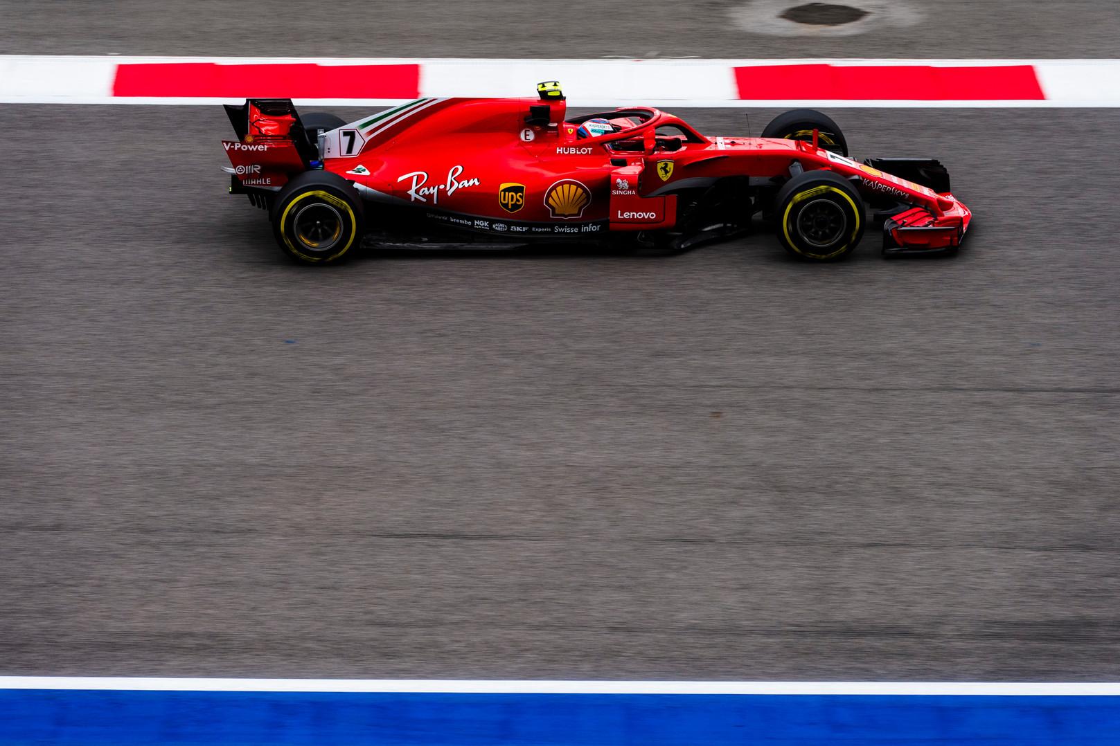 """Italų spauda: """"Ferrari"""" yra griuvėsiuose"""