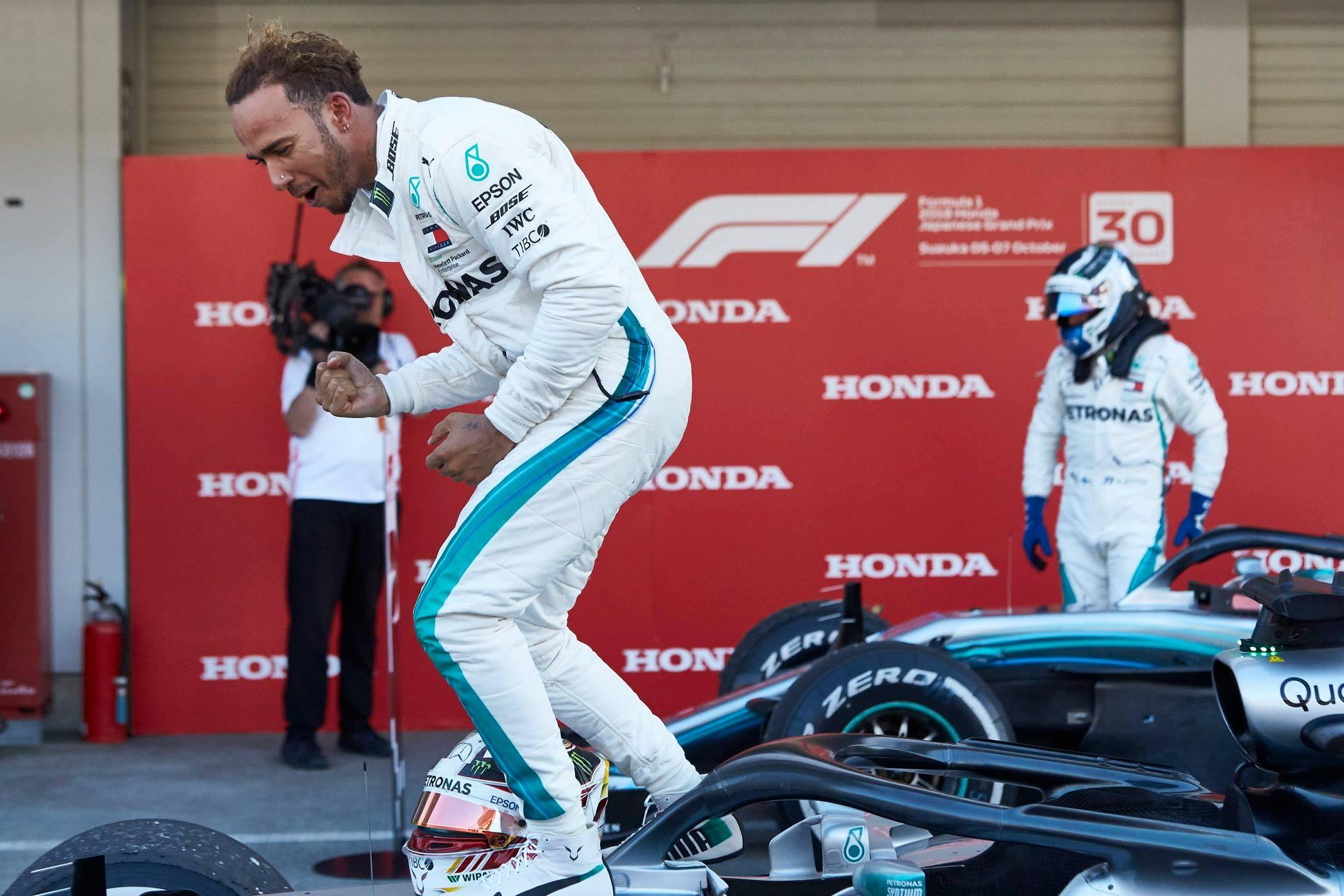 """L. Hamiltonas nori, kad """"Ferrari"""" sugrįžtų į kovą"""