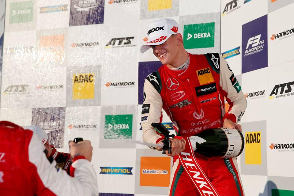 "M. Schumacheris tapo Europos ""Formulės-3"" čempionu"