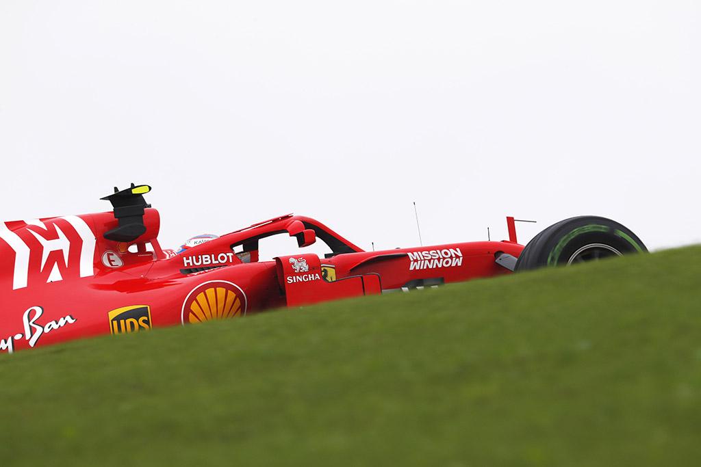 "Australai nepatenkinti ""Mission Winnow"" reklama ant ""Ferrari"" bolidų"
