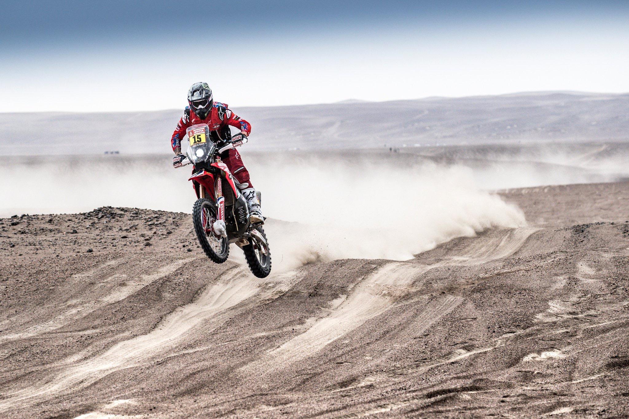 Dakaras. Po ketvirtojo greičio ruožo lyderiu motociklininkų klasėje tapo R. Brabecas