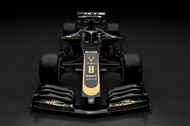 """""""Haas"""" pristatė naujojo bolido išdažymą"""