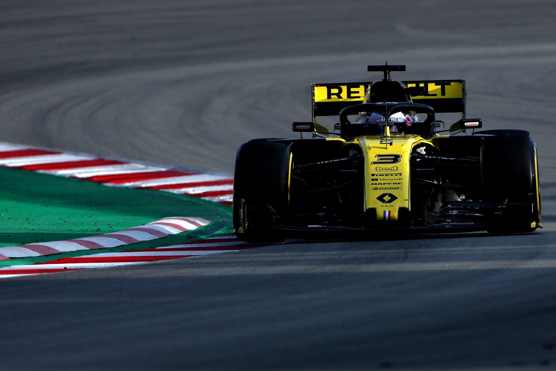 """D. Ricciardo nesiruošia po šio sezono palikti """"Renault"""" ekipos"""