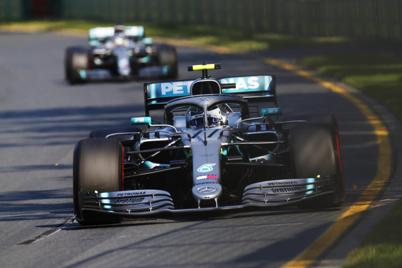 """""""Mercedes"""" paaiškino, kodėl Australijoje antrajam sustojimui nepakvietė V. Botto"""
