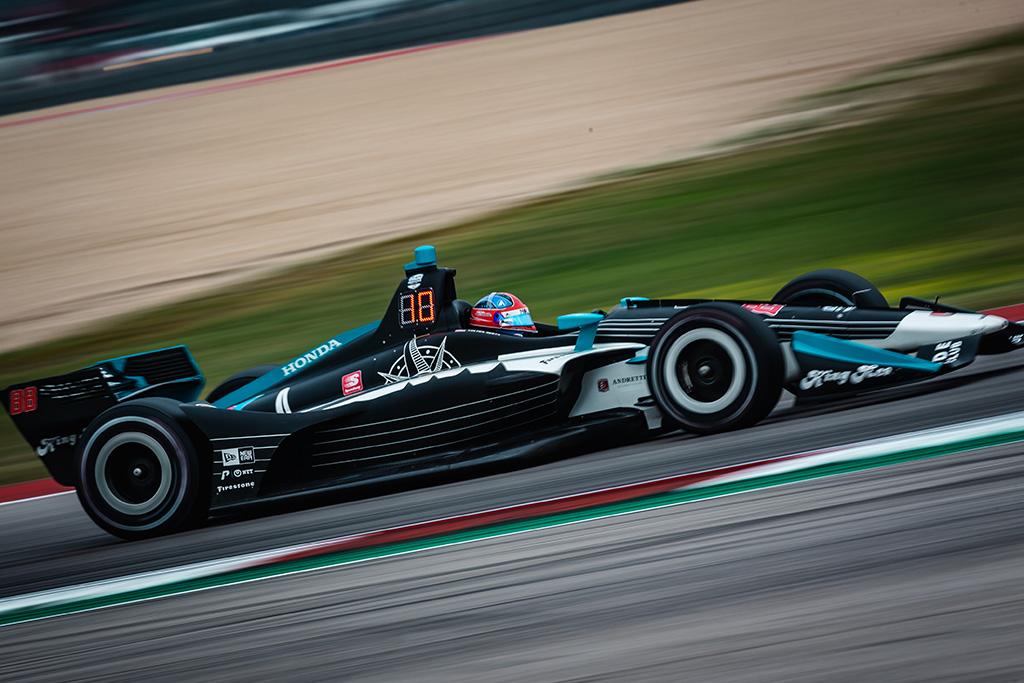 IndyCar. Ostine vykusiose lenktynėse - naujoko C. Hertos triumfas